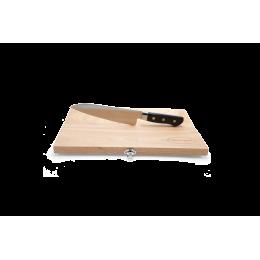 سكين مع لوحة تقطيع خشب